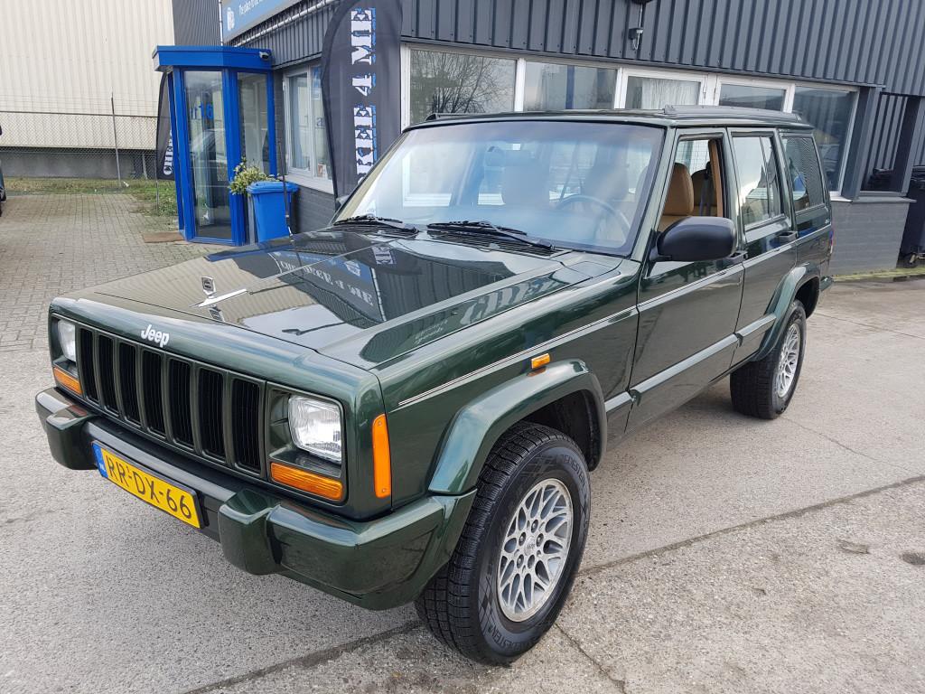 Jeep Cherokee 1999 groen is doen